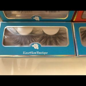 Other - Bundle of 4 dramatic 3D mink lashes
